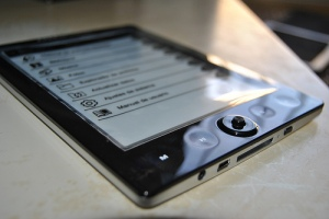 e-reader, via flickr, ceslava.com